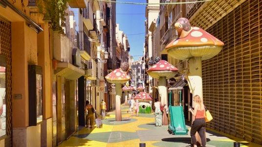 Mushroom street, Alicante@shutterstock