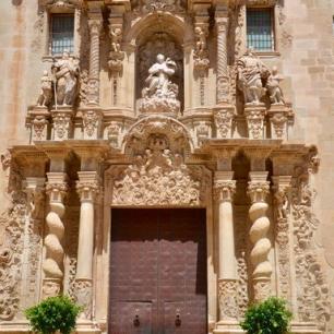 Basilica Santa Maria@shutterstock