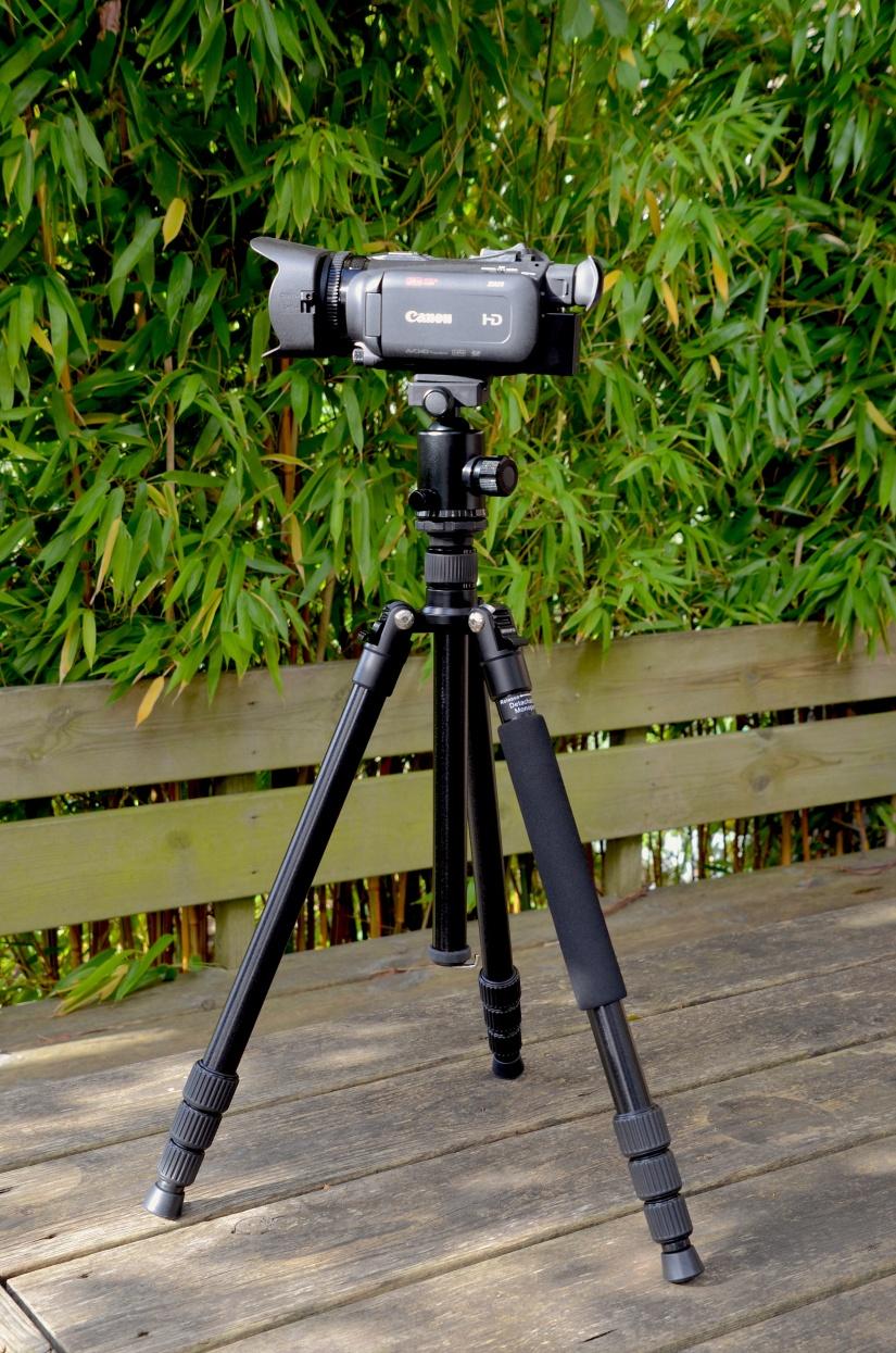 Canon XA11 WITH 20X Optical zoom