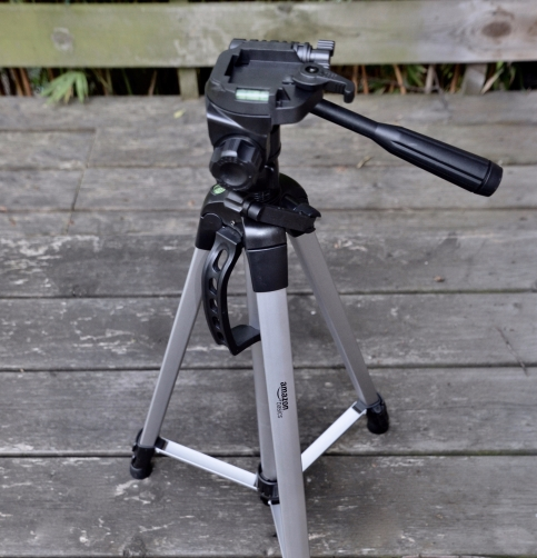 Amazon Basics light weight Tripod